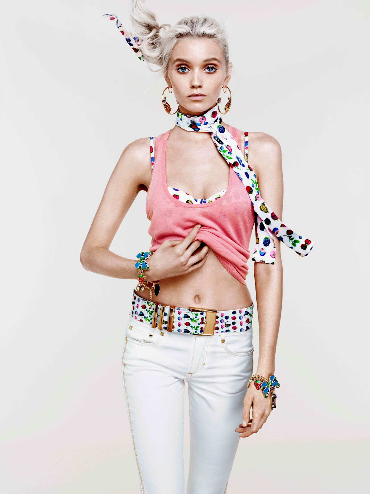 http://3.bp.blogspot.com/-esvJq-Np4xo/T31VQi1ybRI/AAAAAAAAGjw/9qpo-xQU_Jc/s1600/Versace+cruise+5.jpg
