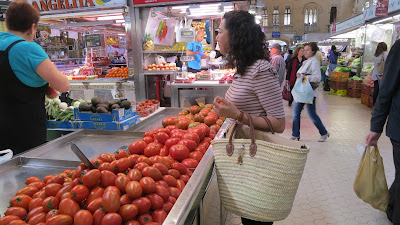 photo solamante french market tote and tomatoes