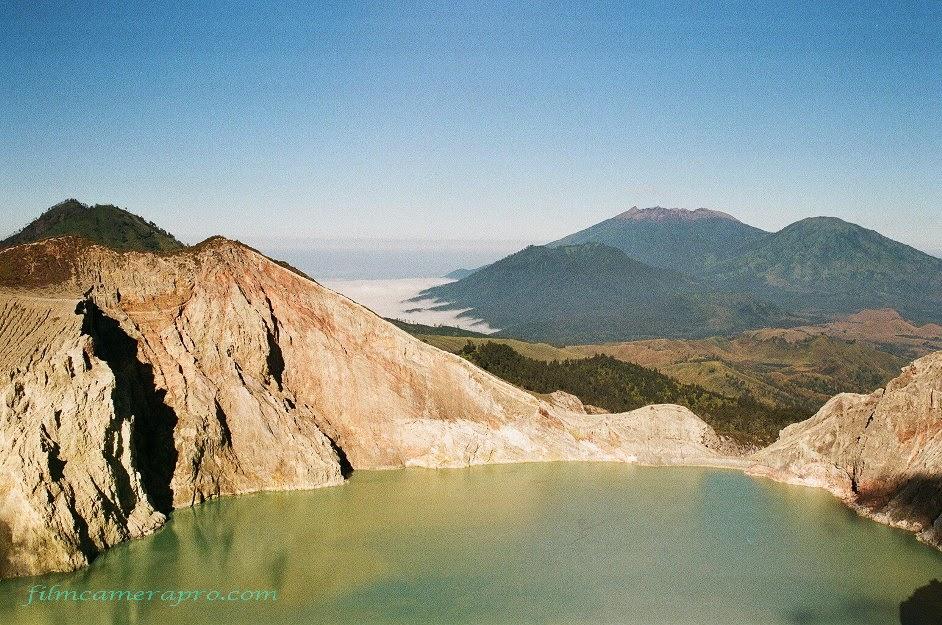 green turquoise lake
