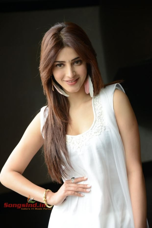 SHRUTI HASSAN LATEST PHOTO STILLS (2013)
