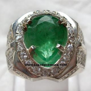 Batu Cincin Jamrud