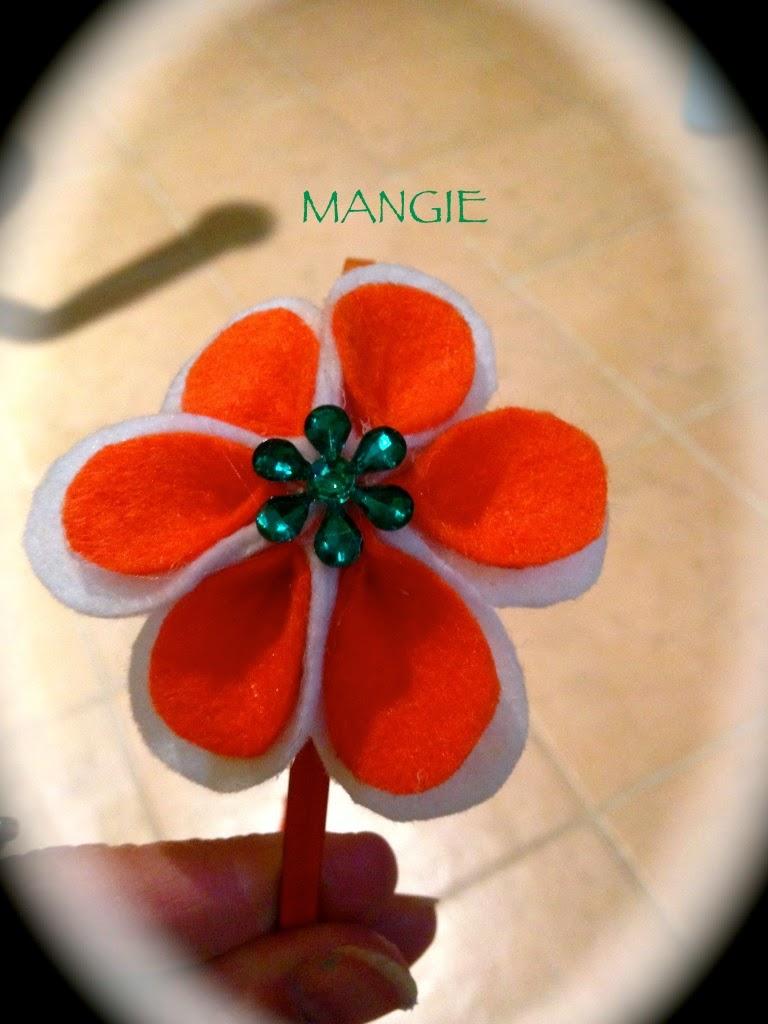 Diadema flor naranja