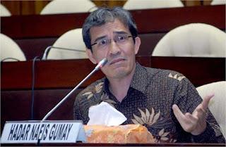 Drs. HADAR NAFIS GUMAY, Anggota Komisi Pemilihan Umum Republik Indonesia (KPU RI) periode 2012-2017