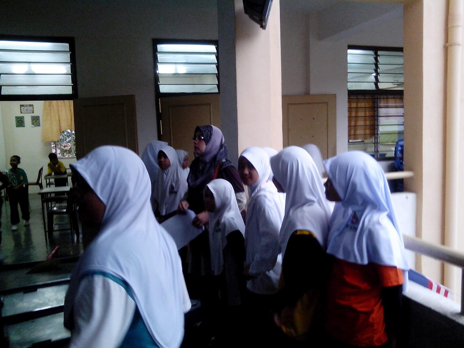 Contoh Berita Pengumuman Gotong Royong Di Sekolah