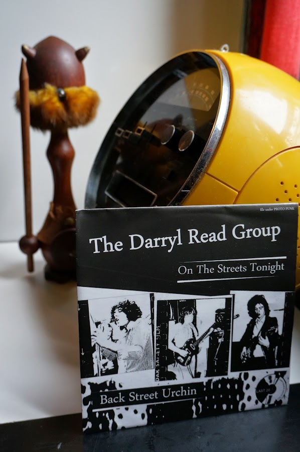 The Darryl Read Group - On the streets tonight - Back street urchin - UK - 1975 & 1976 Last Year's Youth Records - 2013   Darryl Read (Crushed Butler) , Stevie Forest ( guitar, vocals on first Silverhead album)  The Darryl Read Group - On the streets tonight (cut) proto punk