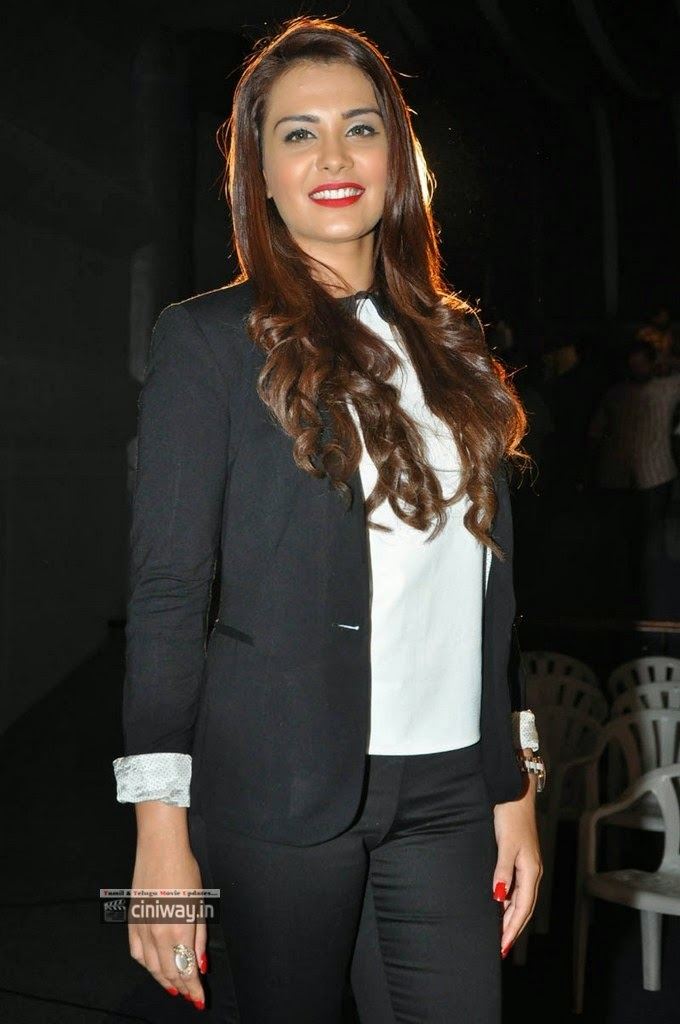 Actress-Nazia-Latest-Stills