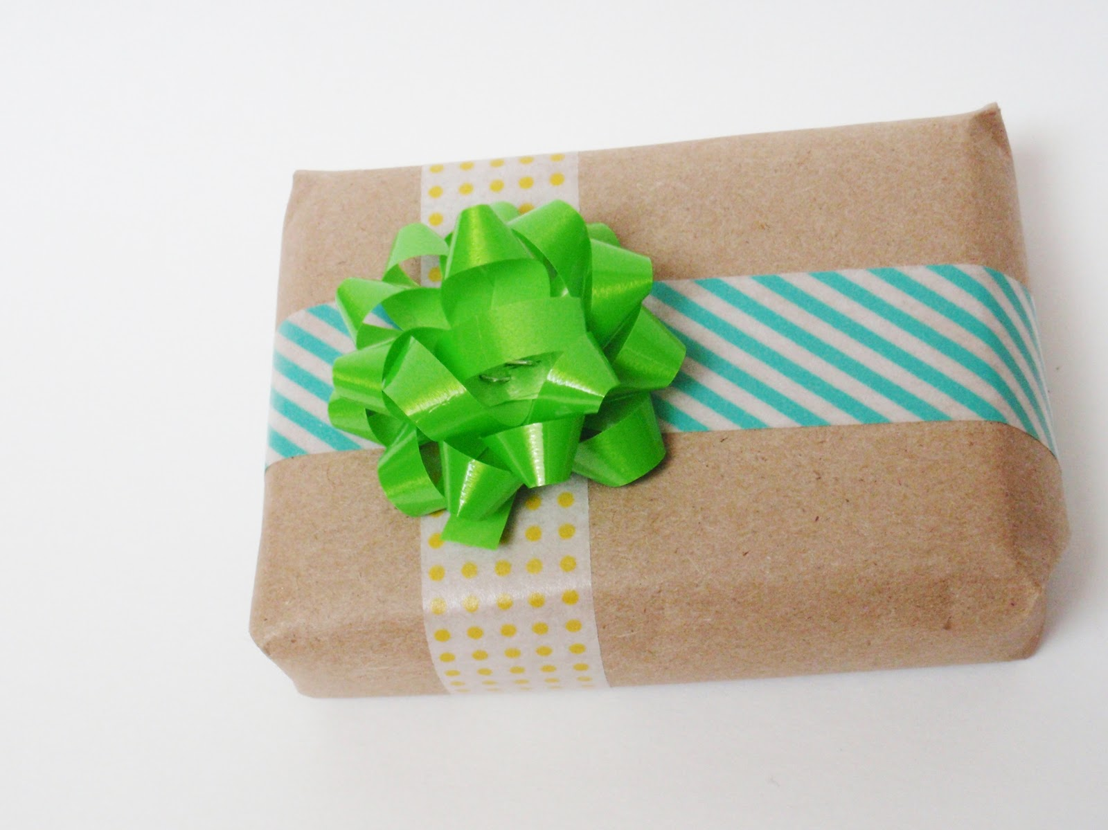 Christmas in July- Creative Gift Wrapping Ideas from A Creative Cookie
