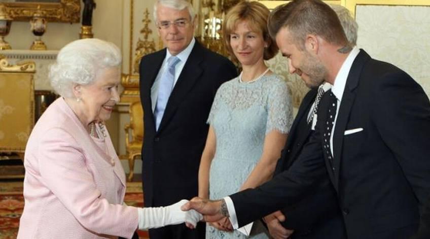 David Beckham Bangga Pamer Photo Bareng Ratu Elizabeth