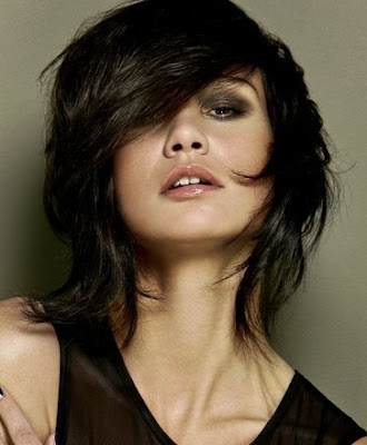 Glam Medium Layered Haircut Ideas for Fall-by Kim Koffijberg