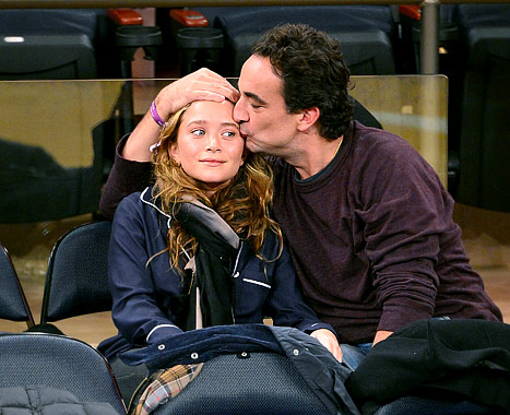 Olivier Sarkozy, 42, Kisses Mary-Kate Olsen, 26, at New York Knicks Basketball Game