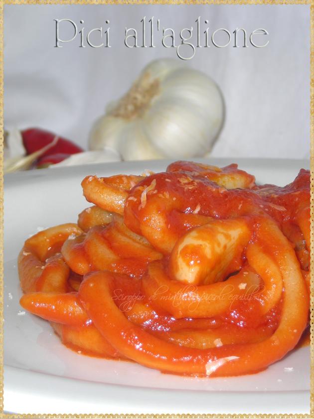 Pici all'aglione pasta tipica toscana