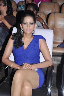 Sanjana Singh Spicy Legs Show at Screen Moon Award 2012