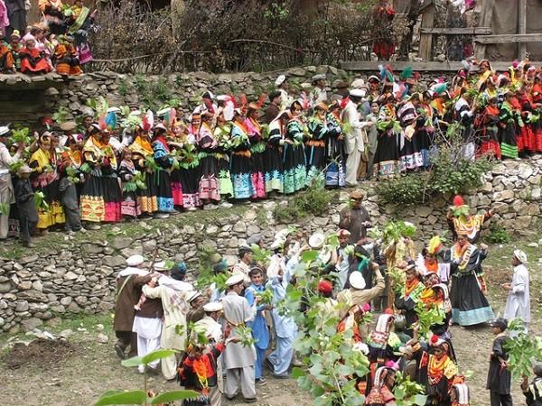 bộ tộc người đẹp như Tây ở châu Á 16