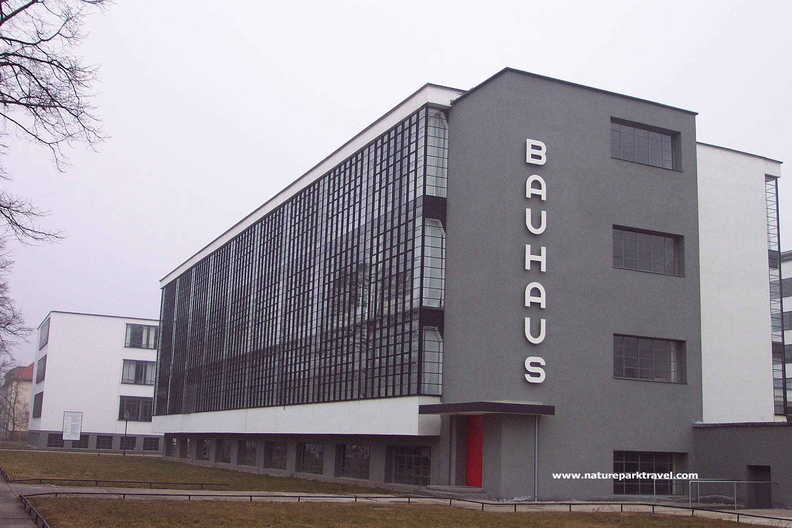 development of modern art fa2012 bauhaus aesthetics for mass production. Black Bedroom Furniture Sets. Home Design Ideas