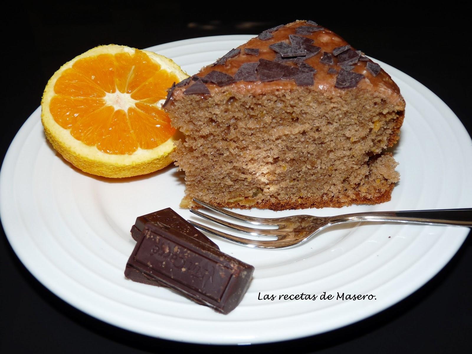 Bizcocho de cacao y naranja confitada.