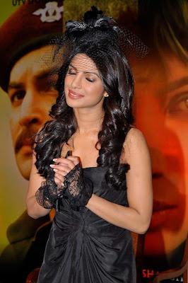 Priyanka Chopra looking gorgeous_FilmyFun.blogspot.com