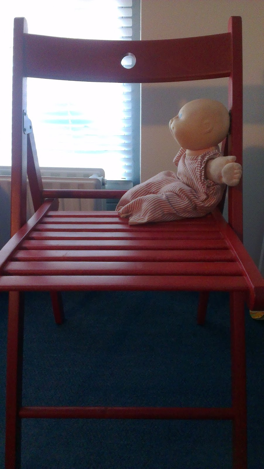 it would be easy for a toddler to slip right off no dolls were harmed during this