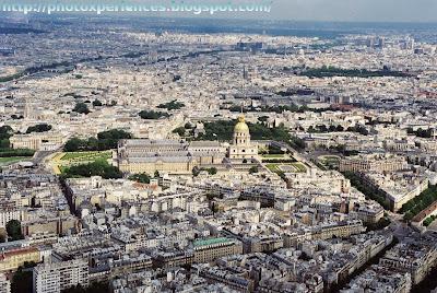 Vista de París desde lo alto de la Torre Eiffel