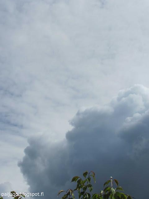 juhannus: pilvet