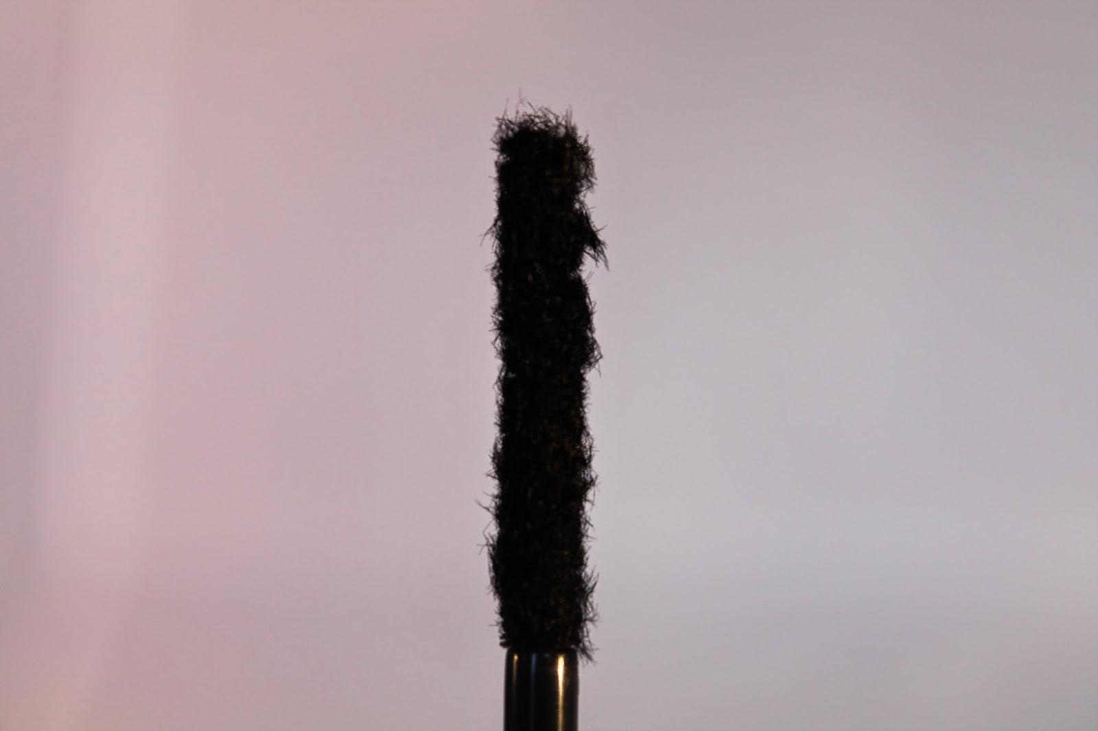 Younique 3D fiber lash mascara