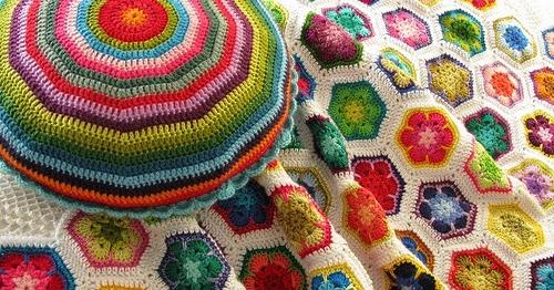 Copertine ad uncinetto gomitoli magici african flower ad uncinetto i 1000 usi - Piastrelle esagonali uncinetto ...