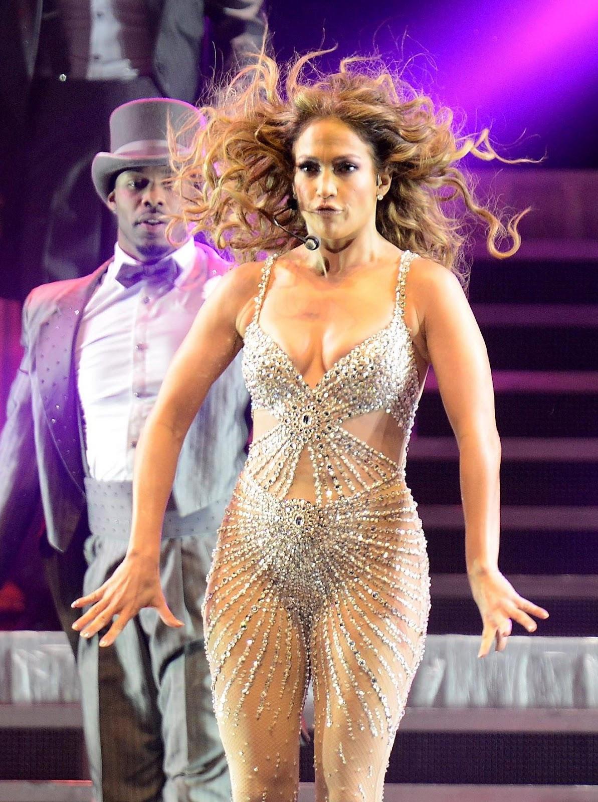 Hot Pic Jennifer Lopez Live 2012