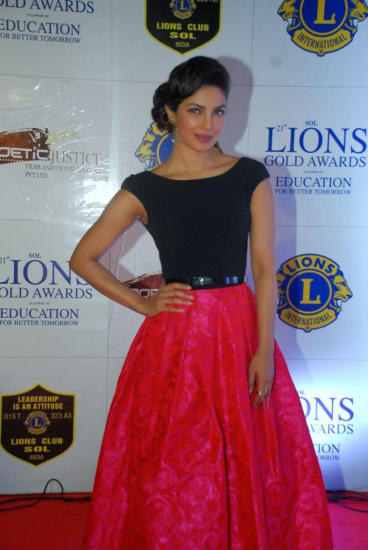 Priyanka Chopra At 21st Lions Gold Awards 2015 Stills