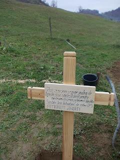 http://www.rasunetul.ro/mitropolitul-andrei-punem-piatra-de-temelie-acestei-zidiri-de-la-agriesel-binecuvantat-si-slavit-fie