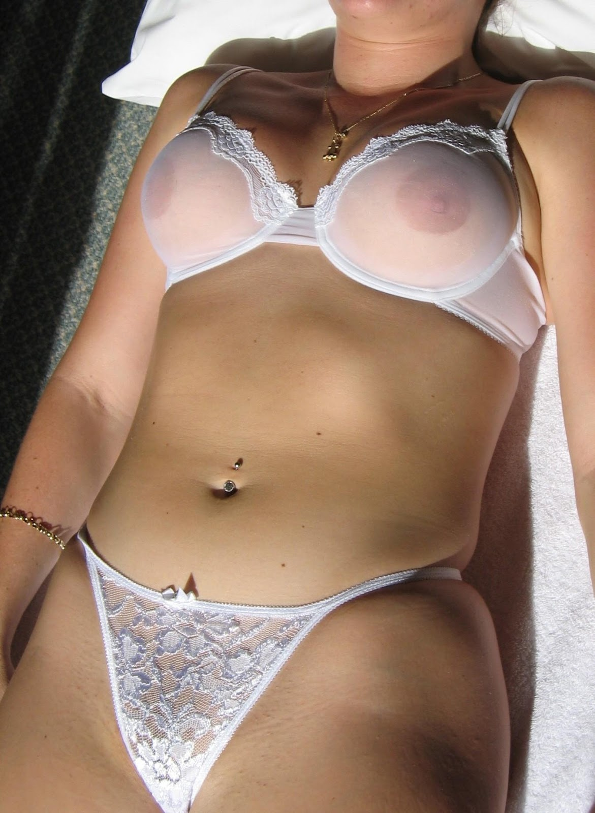 Follando en ropa transparente