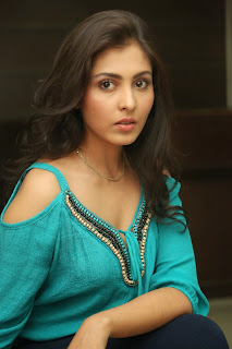 Madhu Shalini HD Pics in lovely light Blue Deep Neck Top and Denim Leggings Must Watch Closeups