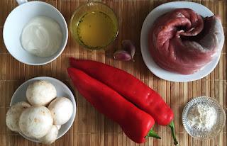 Solomillo de cerdo en salsa de pimientos y champiñones - ingredientes