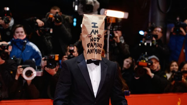 """Shia LaBeouf se puso una bolsa en la cabeza en el estreno de """"Nymphomaniac"""""""