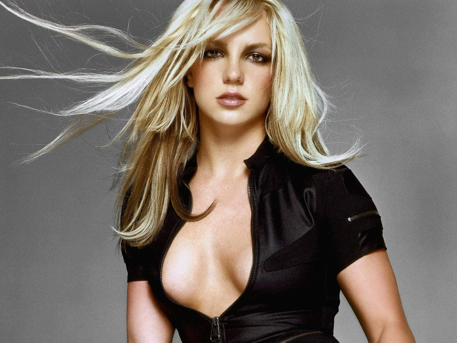 aguila milf women She is a woman who did everything before anyone else did it  christina aguilera  aguilera embraced a more mature image with retro-styled hair and makeup,.