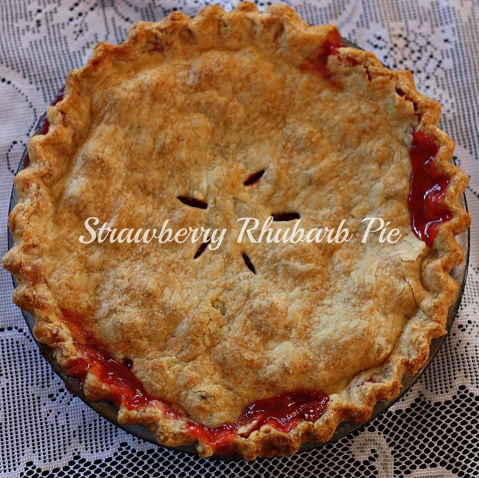 Clawson Live: Strawberry Rhubarb Pie