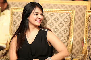 Actress Saloni Latest Pictures in Black Long Dress at Gama Awards 2014  035.JPG