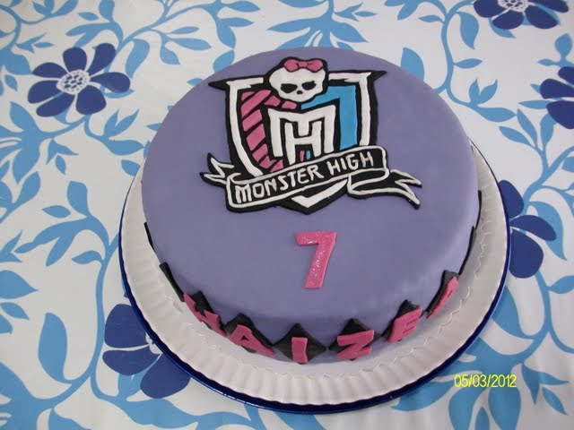 El blog de Kizkur: Tartas con ilusión: Tarta Monster High