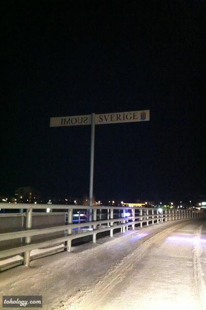 Finland-Sweden border sign