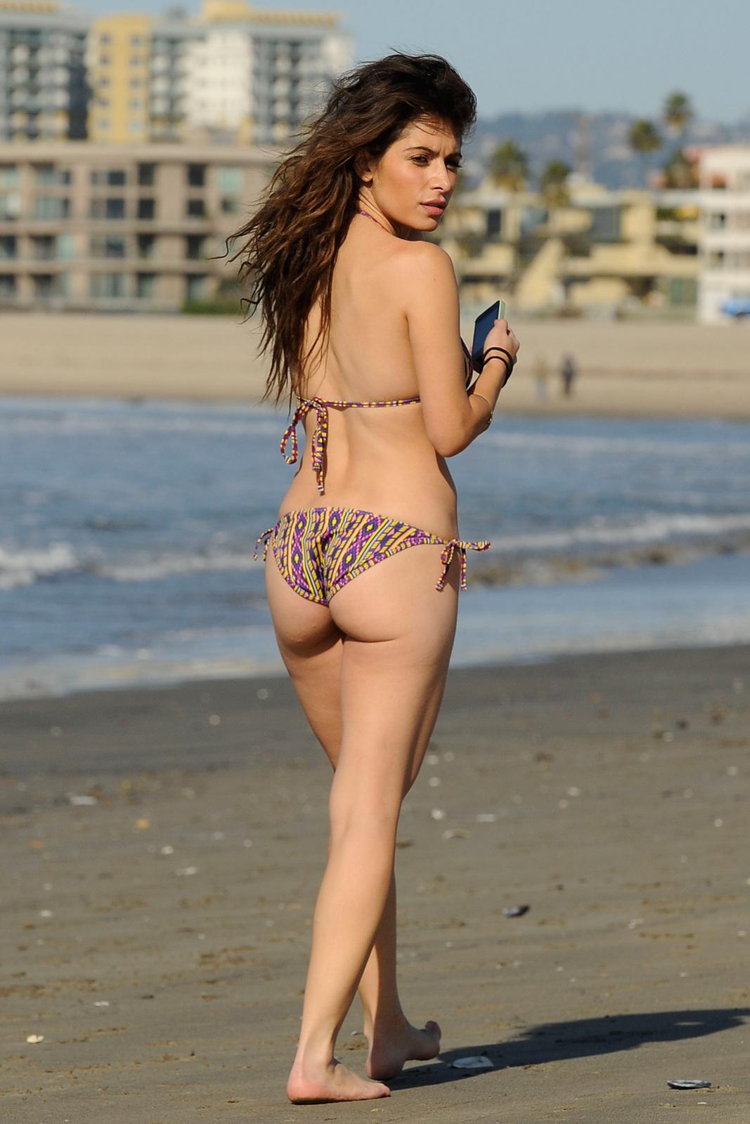sarah shahi nude picture