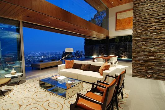 Luxury House With Stunning View In Hollywood Hills Los