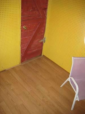 detalle-del-suelo-interior-de-la-casita-terminado