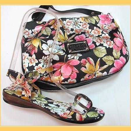 сандали на равна подметка с чанта на цветя в черно