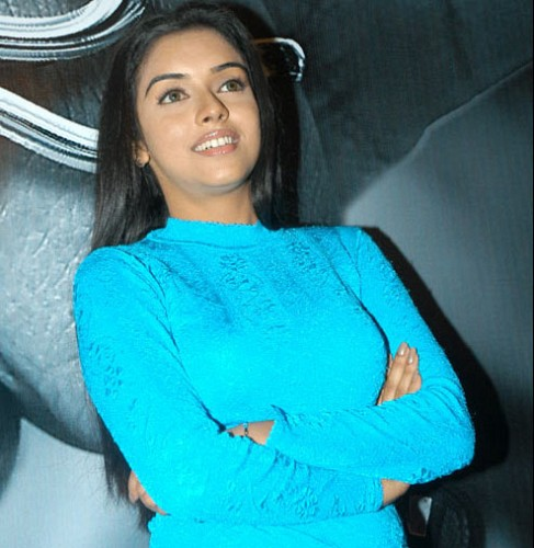 Asin Cute Pics in Blue Dress