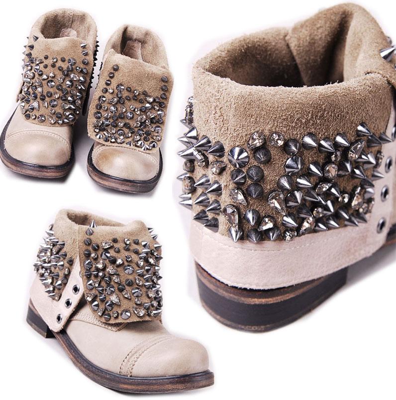 http://3.bp.blogspot.com/-eyWZgMUTXfA/TouZpxIWL9I/AAAAAAAAO4s/8W0roBVGiXM/s1600/shoefetish.jpg