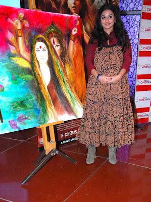 vidya balan at kahaani painting launch