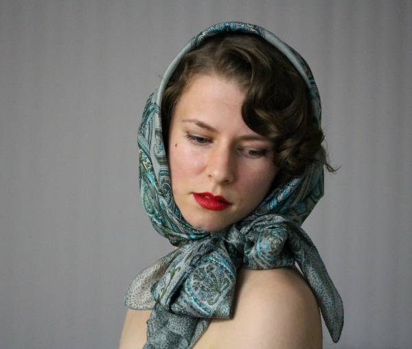 Vintage Driving Scarf Tutorial #marilyn #vintage #hair #scarf
