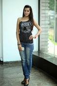 Diksha Panth Glamorous photos-thumbnail-17