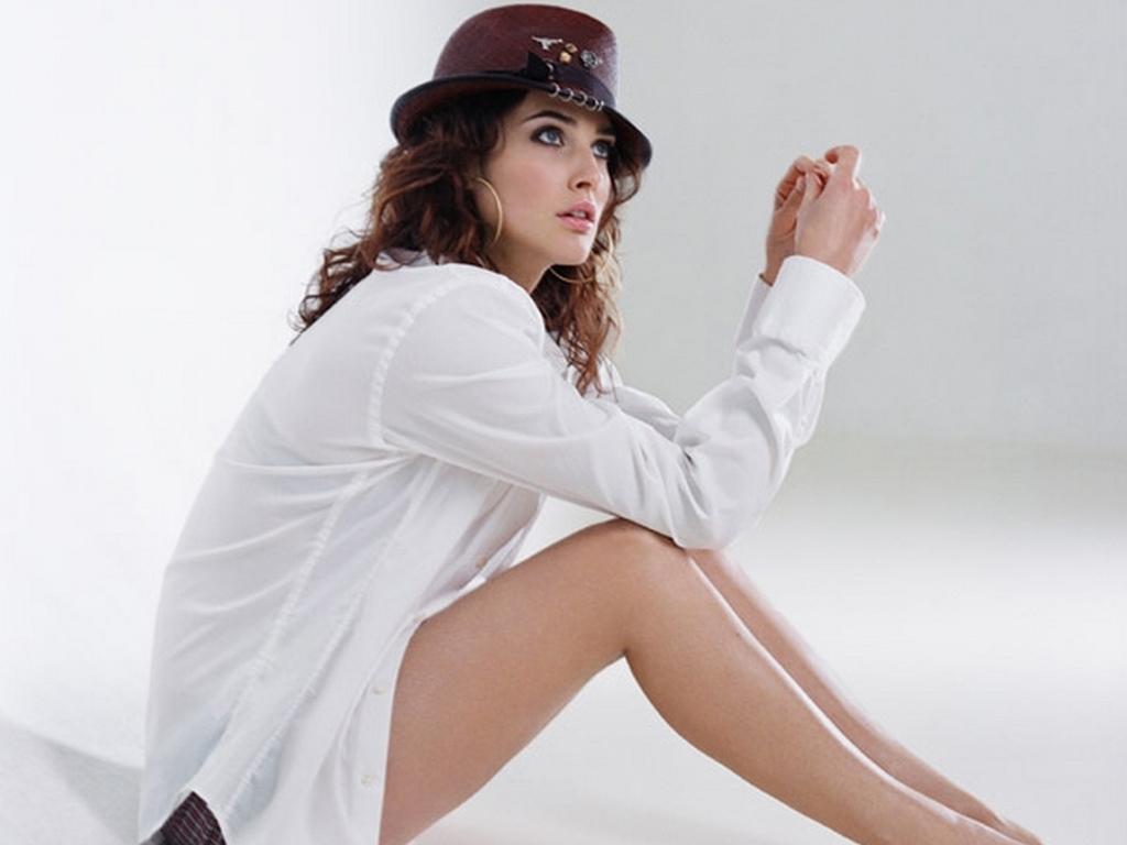Cobie smulders hot pics