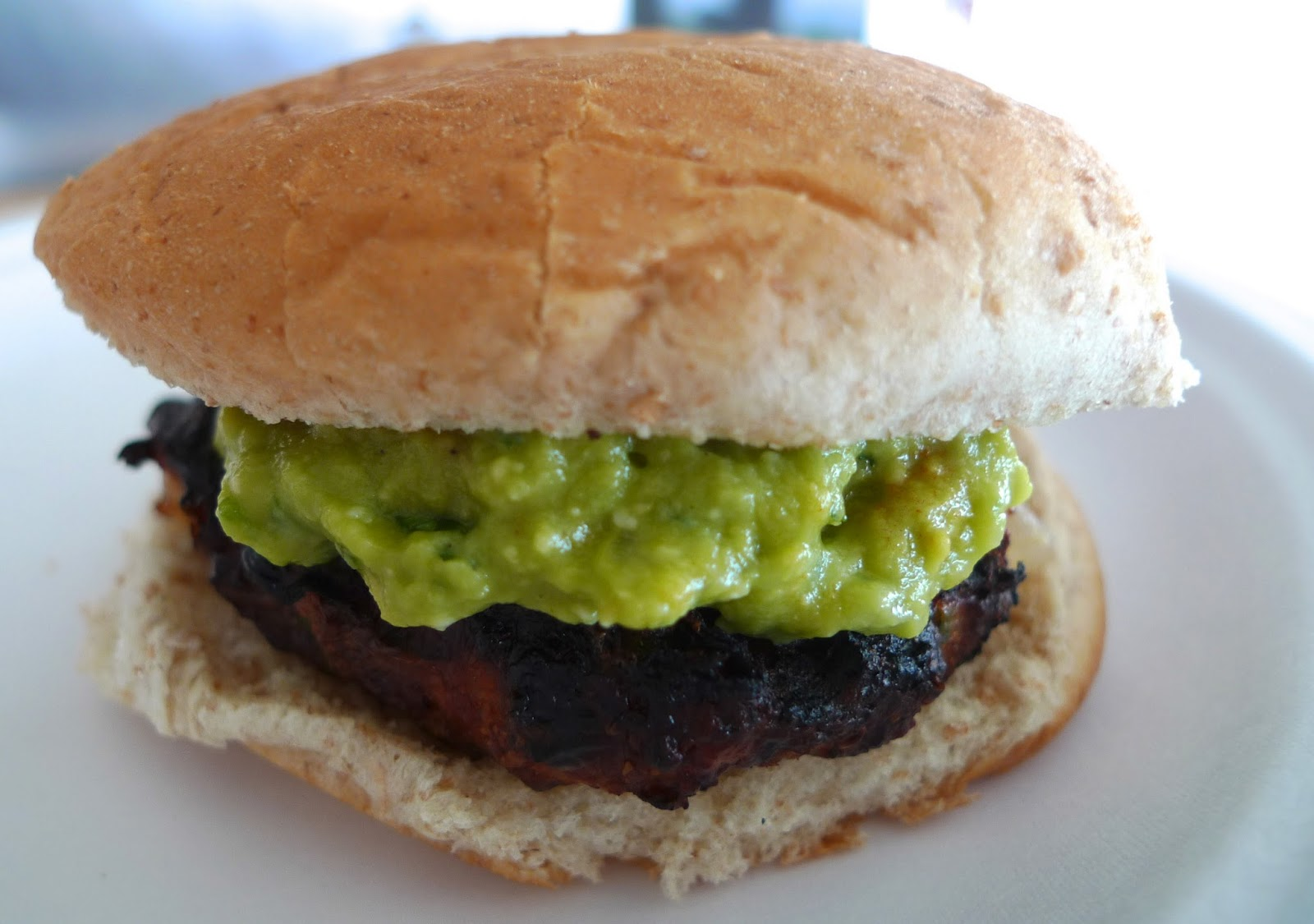 siriously delicious: Cheddar Jalapeno Chicken Burgers with Guacamole