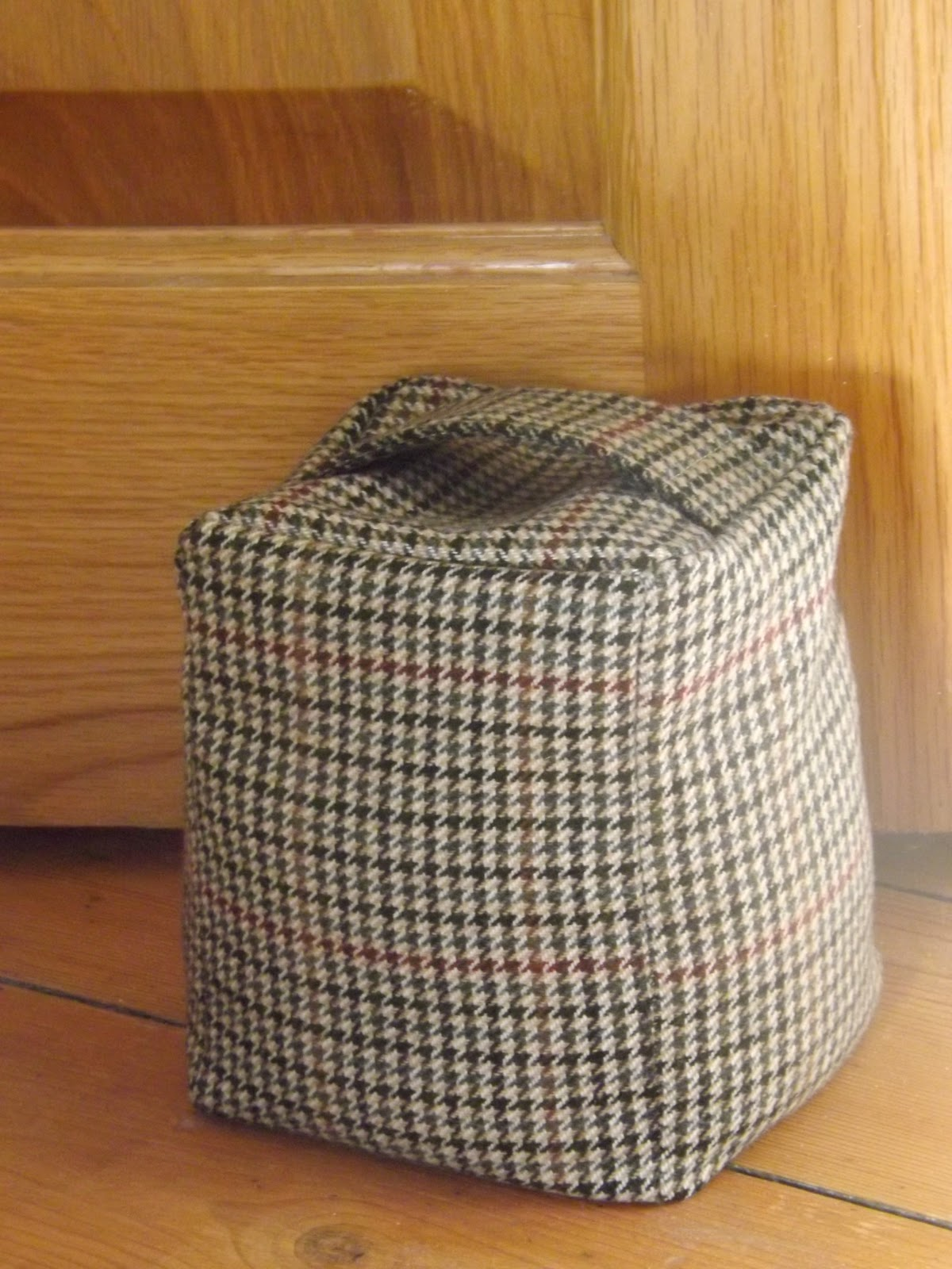 Thrifty Tweed Door-Stop Tutorial & Me and my shadow: Thrifty Tweed Door-Stop Tutorial