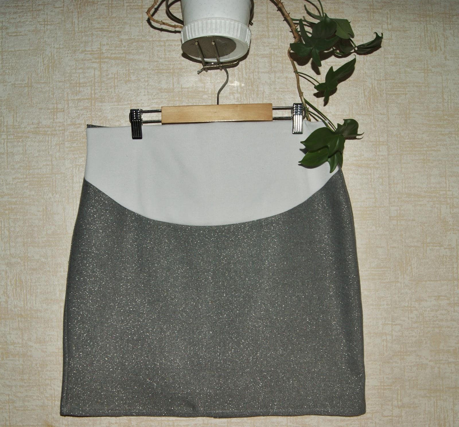 Сестренка в мини юбки 4 фотография
